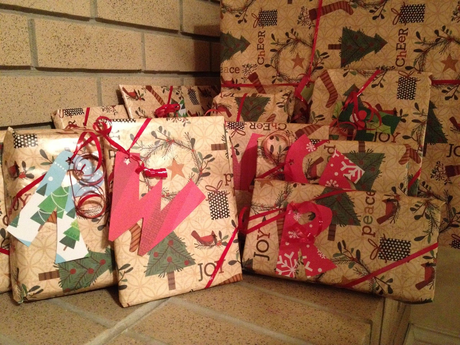 Cute Way To Wrap Christmas Presents