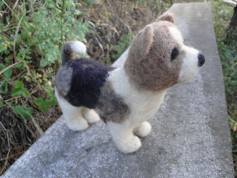 felt dog from Keti's little animanls by DaWanda.com