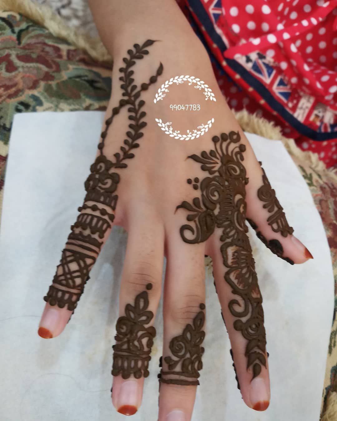 Book ur henna appointment decorate ur hands and body