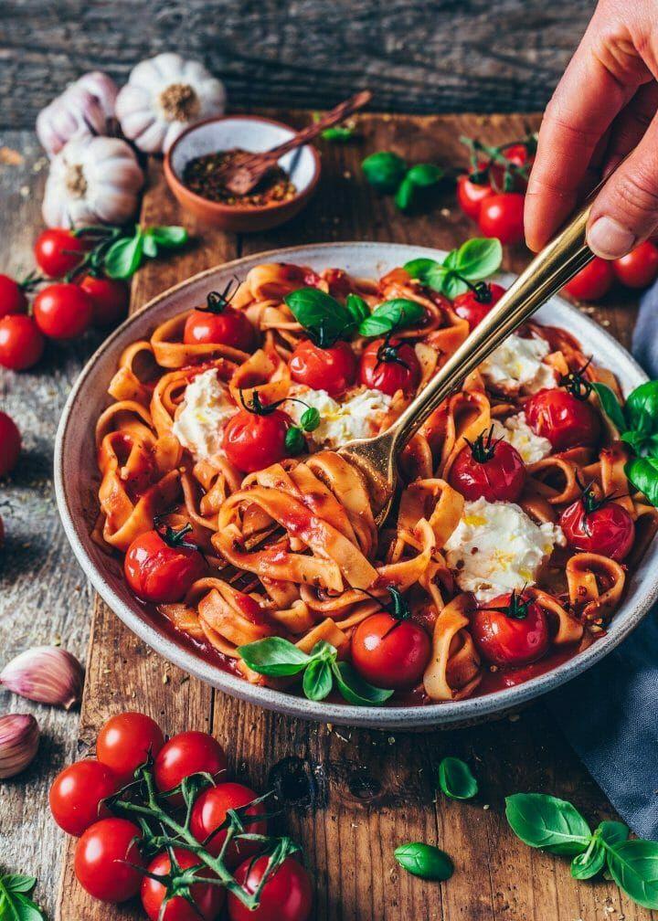 Creamy Tomato Pasta al Pomodoro - Vegan - Bianca Zapatka | Foodblog