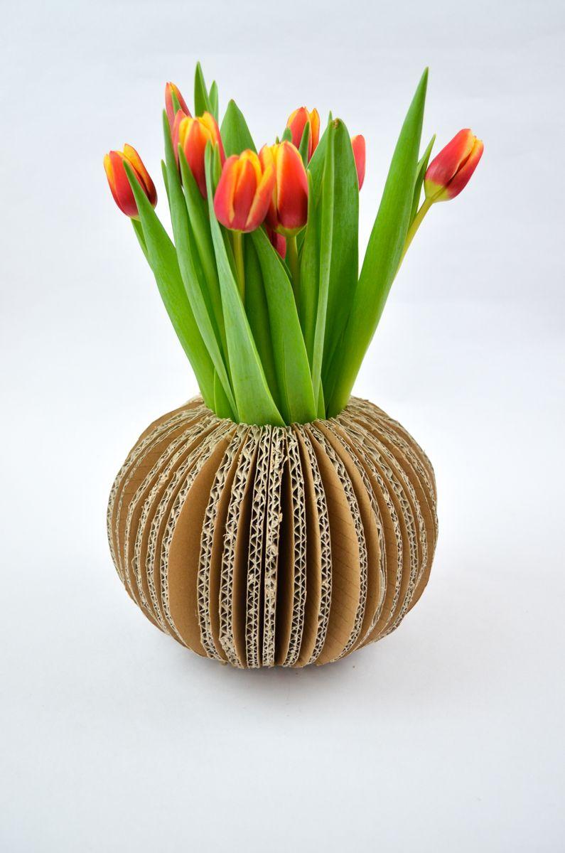 upcycling wellpappe vase aus bastelideen monochrome gemerkt artikel