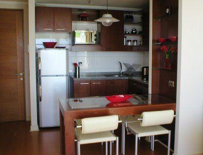 Cocina peque a con desayunador buscar con google for Disenos de cocinas pequenas y economicas