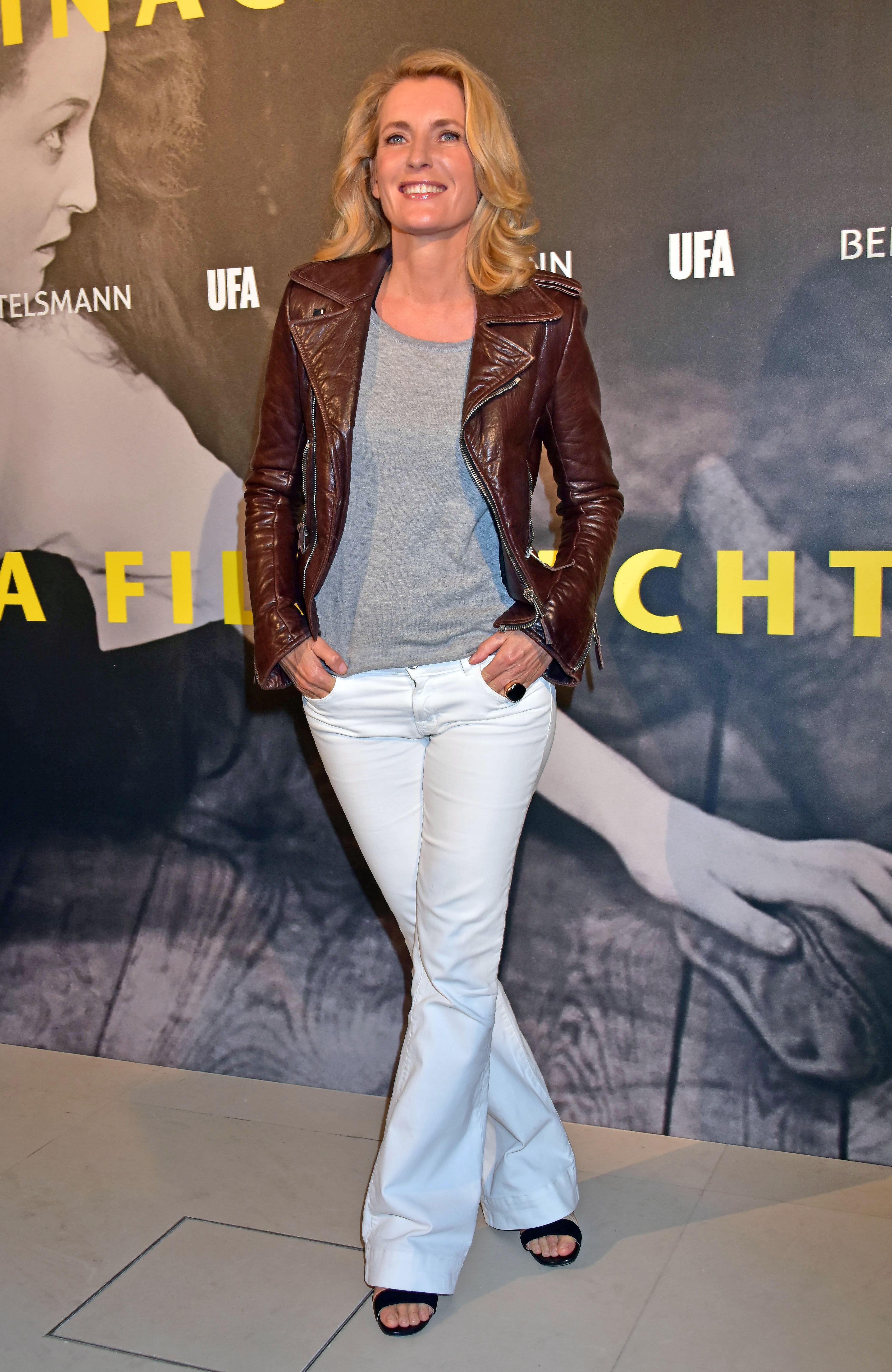 Fashion, White jeans, Jeans