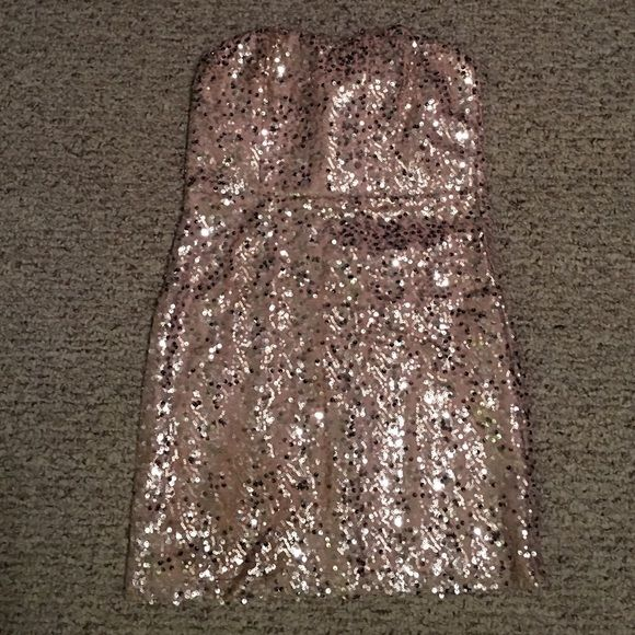 Light pink NYE sequins dress. Forever 21 light pink mini dress. Perfect for New Years Eve or a night out! Forever 21 Dresses Mini