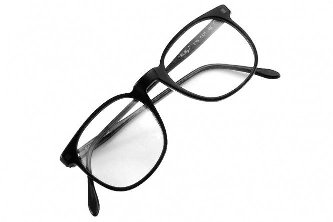 ROBERT LA ROCHE 'COLLEGE' BLACK - A timeless classic by glasses design legend Robert La Roche. Naturally it does not compromise when it comes to quality and maximum aesthetic.