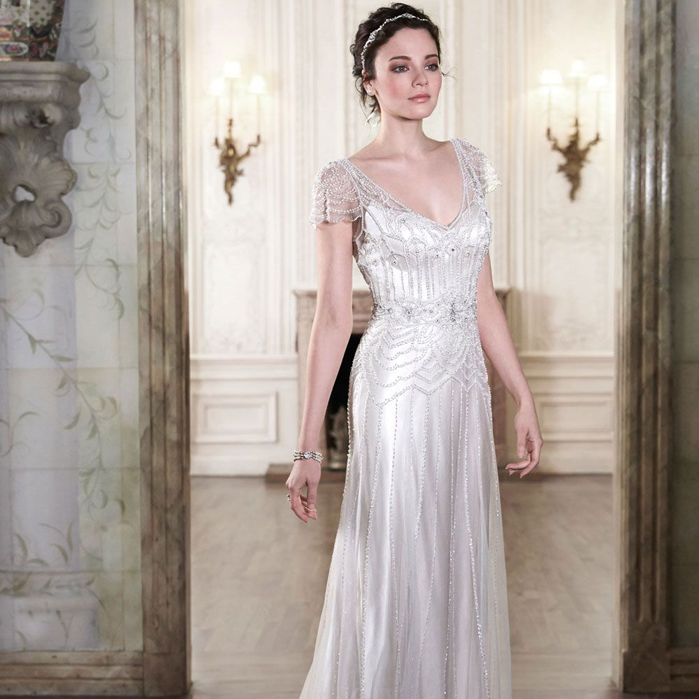 1920s Wedding Dresses Add Some Gatsby Glamour to Your Big