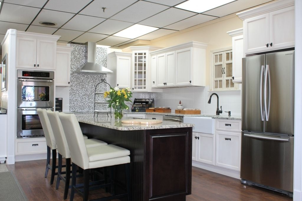 Kitchen And Bath Design Is Likely To Have Any Renovations For Their Extraordinary Bathroom Kitchen Renovations Model