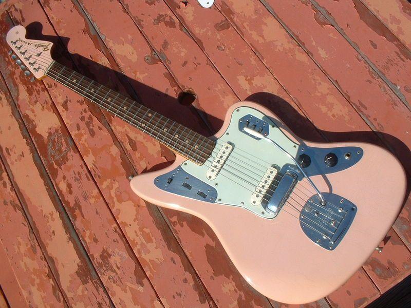 1964 fender jaguar in shell pink love in 2019 guitarras musica. Black Bedroom Furniture Sets. Home Design Ideas
