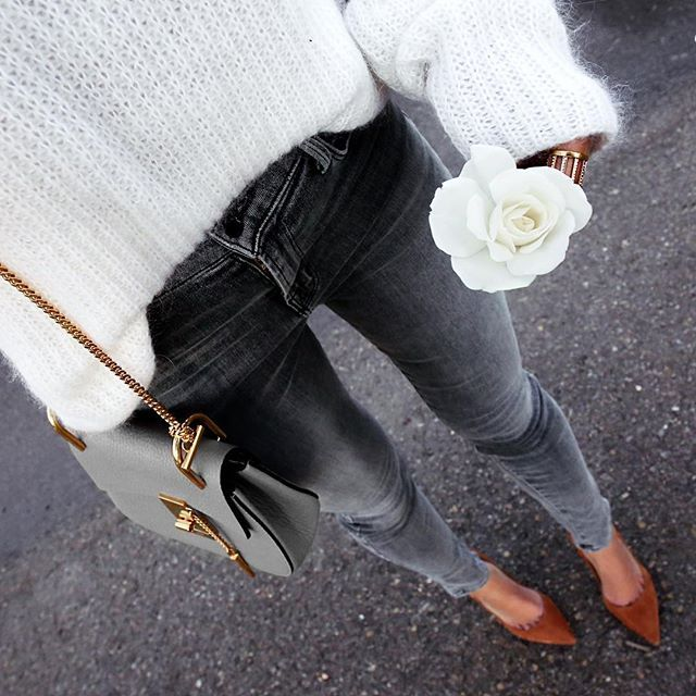 OOTD Simple grey oufit rounded by an eyecatching heels and a beautiful bag. Definitely a MUST HAVE ! Flower Friday || outfit details on the blog in 'Daily Details'...... @liketoknow.it www.liketk.it/2hTBK #liketkit
