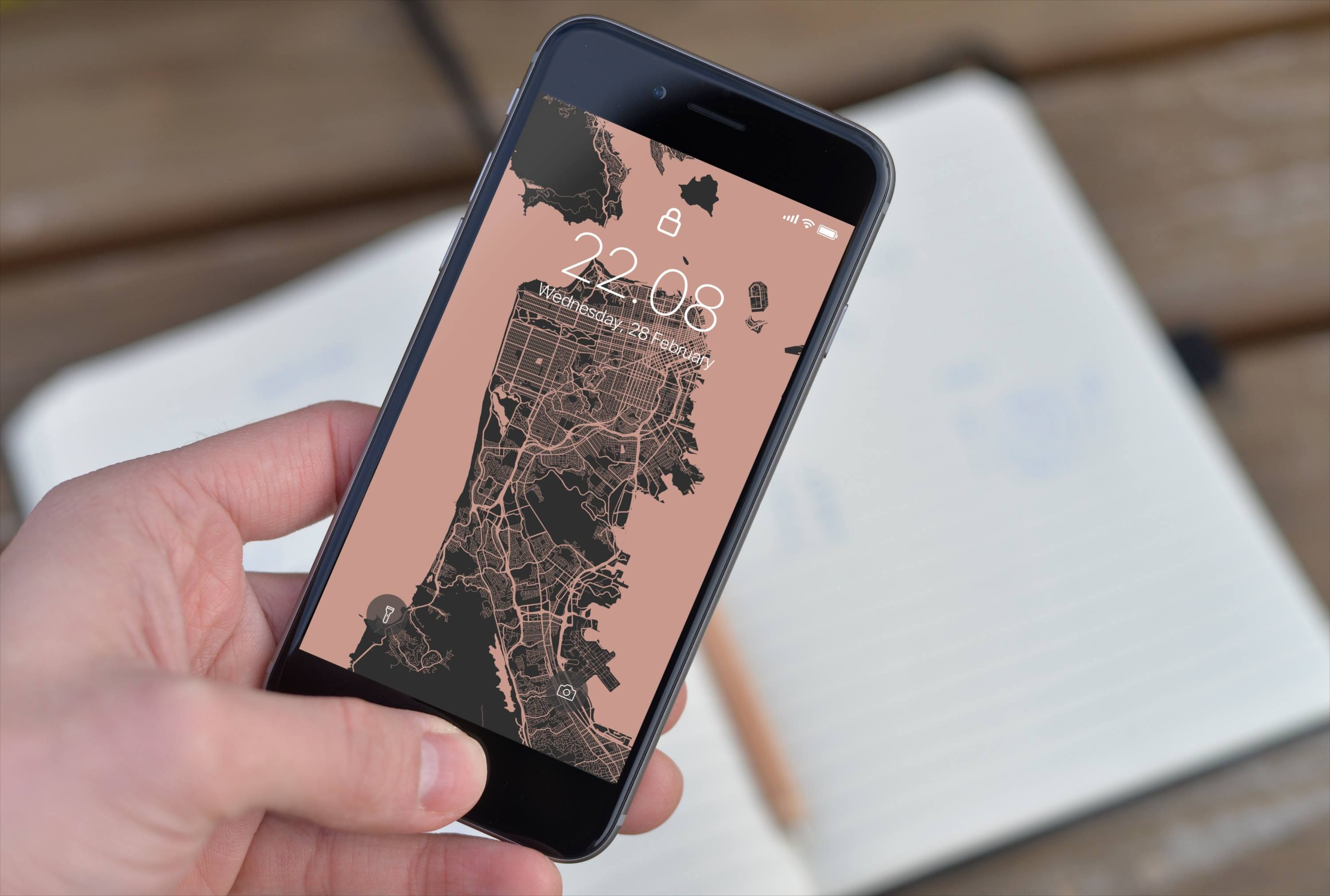 Design and make your own phone wallpaper with Alvar Carto
