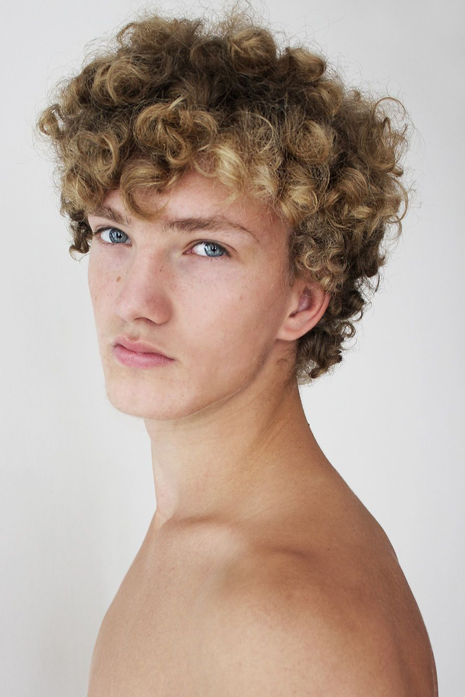Eddie Newfaces Blonde Hair Boy Permed Hairstyles Curly Hair Men