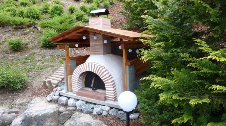 Garten Pizzaofen Ueberdachung Holz Stein Stuetze Hang Pizza Ofen