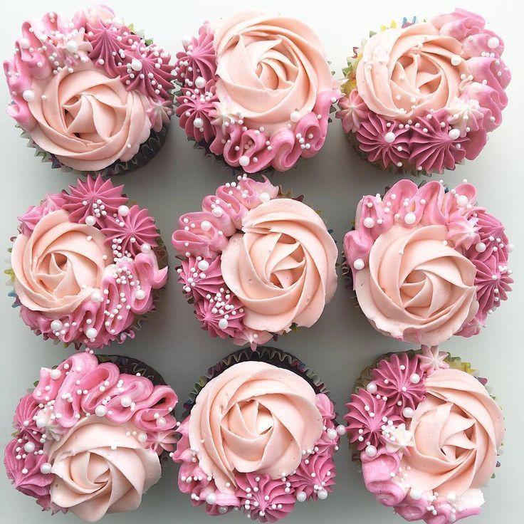 Diese rosa Rosenkleinen kuchen sind so hübsch! #peachideas Diese rosa Rosenklei…