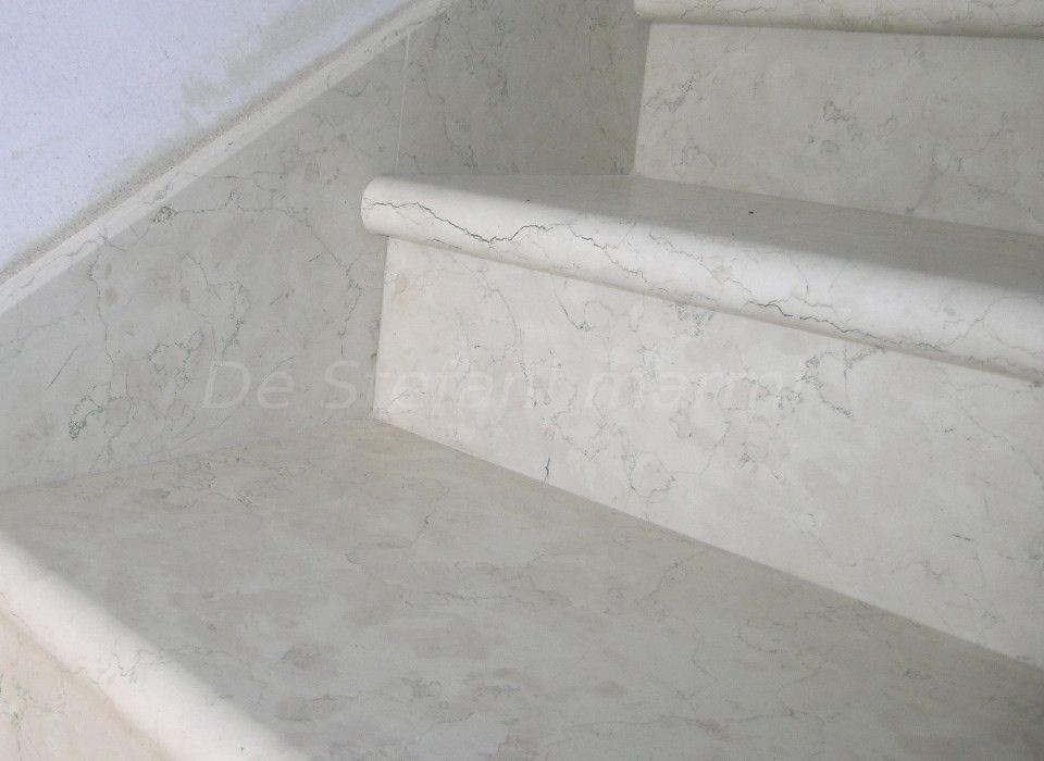 Scala in marmo biancone dettaglio gradini scale - Soglie per finestre moderne ...
