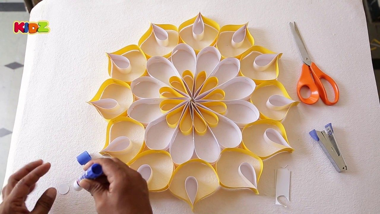 How To Make Wall Decoration With Paper Easy Diy Home Decor Ideas Paper Wall Decor Diy Paper Flowers Tutorial Paper Flowers Diy