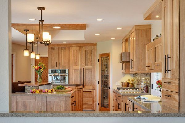 Natural Hickory Kitchen Cabinets Light Color Shade Kitchen Design Ideas Pendant Lights Hickory Kitchen Cabinets Hickory Cabinets Hickory Kitchen