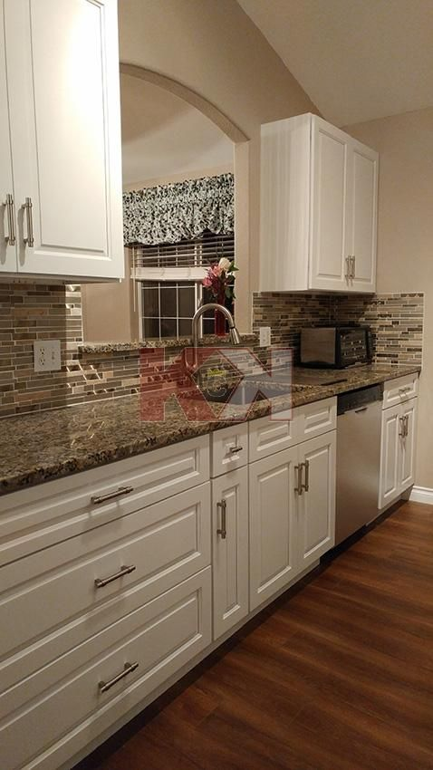 Best Gramercy White Cabinets By Kitchen Cabinet Kings In 2019 640 x 480
