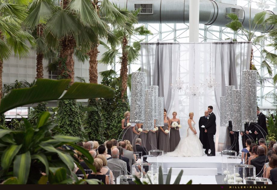 a1bdafb3acba57d7b32fb953b52f38bf - The Crystal Gardens At Navy Pier Wedding