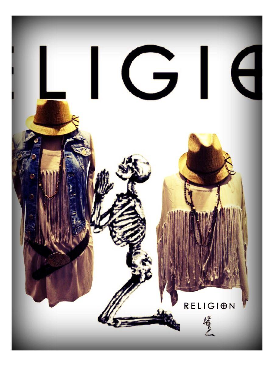 TShirt & robe  RELIGION