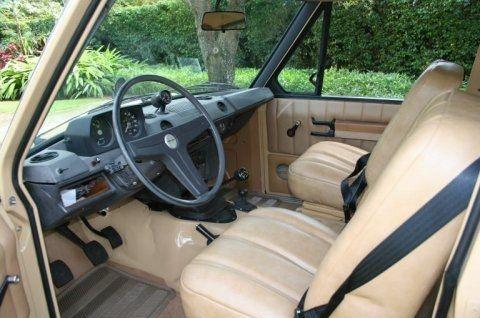1972 Range Rover Classic Land Suffix-A 2-door SUV Interior