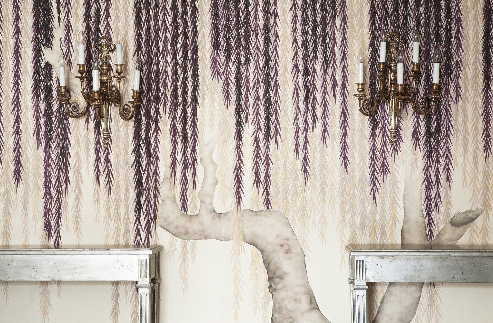 Amazing In Stunning, Full Wall Glory, De Gournayu0027s Hand Painted Wallcoverings  Completely Captivate The Eye And The Imagination. Shown Here Is Willow, In  The Argent ...