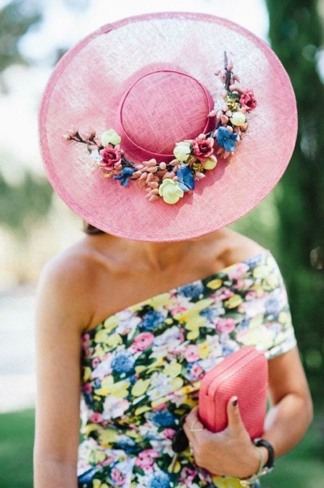Invitadas elegantes... y con vestidos de flores!   AtodoConfetti ...