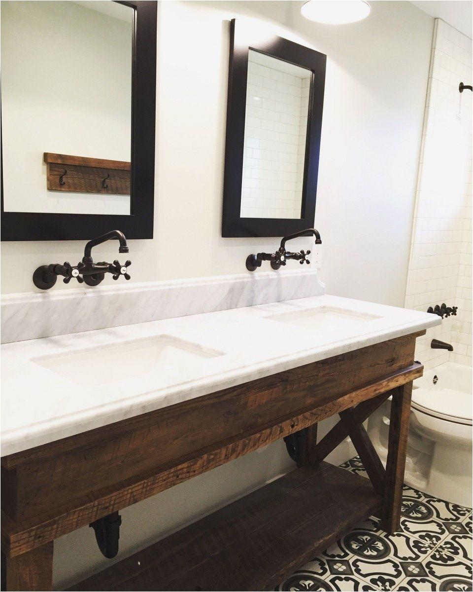 Weißer Badezimmer Schrank Mit Schubladen, Hochgewachsene