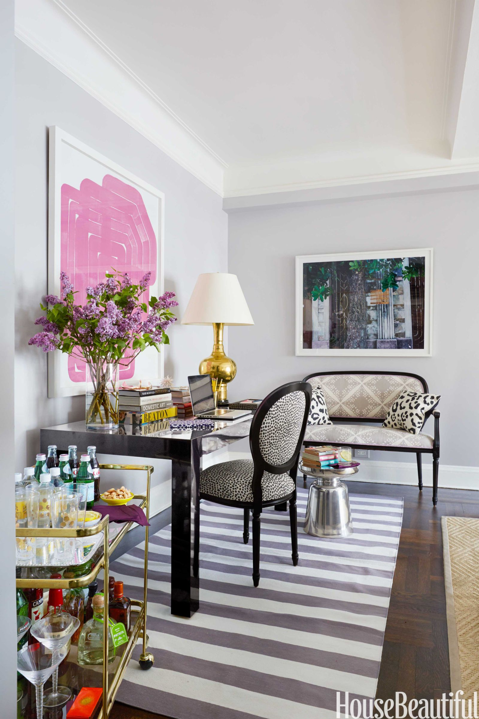 Latest Interior Design For Living Room: A Small, Bold, And Stylish Apartment In New York City
