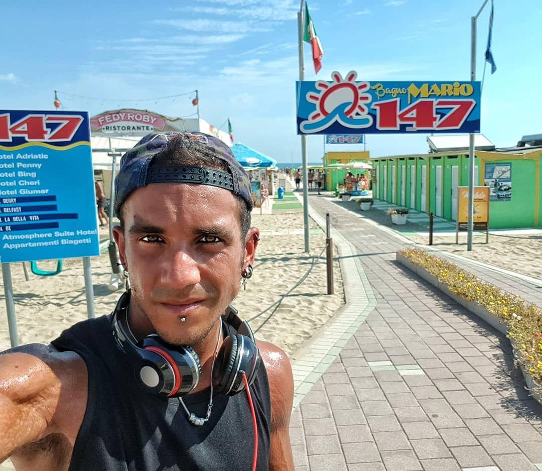 #Dayoff e #Running 🤟🏿💣 Spiaggia Libera Rimini➡️➡️➡️ Bagnino 147 💪🏽 . . . . . . # me #running #run #r...