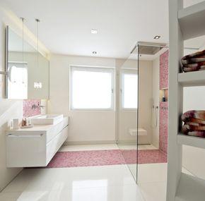 duschbad mit farbakzent kreuz schnaittach lauf a d pegnitz bei n rnberg. Black Bedroom Furniture Sets. Home Design Ideas
