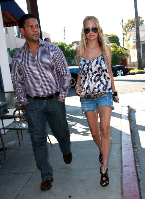 Nicole Richie Street Style In La It S All About Me Me Me Me Me In