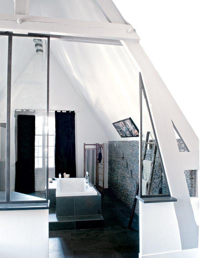 une salle de bain noire et blanche style campagne chic noir et noir et blanc. Black Bedroom Furniture Sets. Home Design Ideas