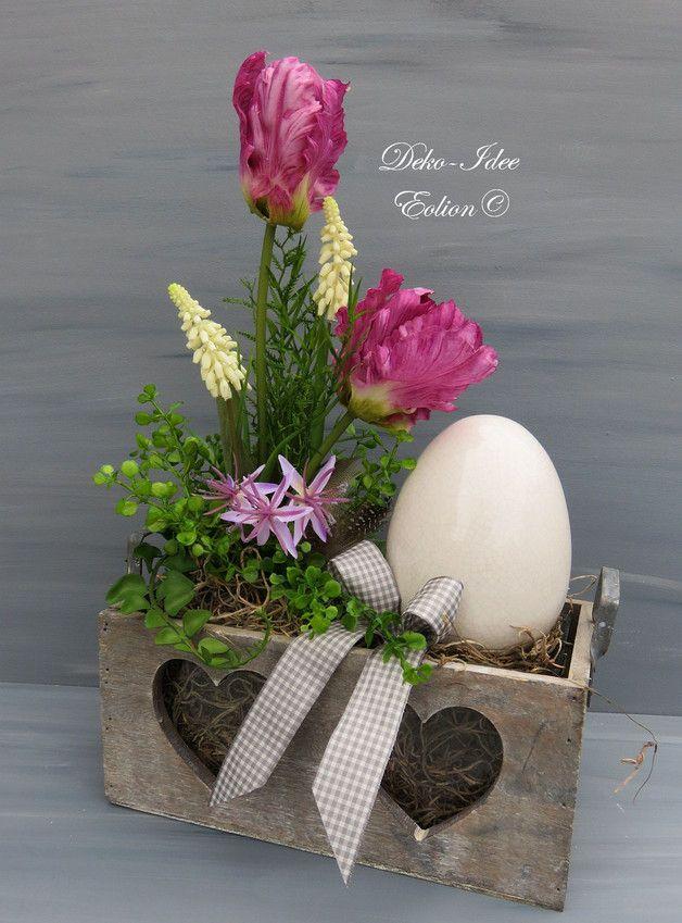 osterdeko gro es gesteck fr hling tulpen ei ein designerst ck von deko idee eolion bei. Black Bedroom Furniture Sets. Home Design Ideas