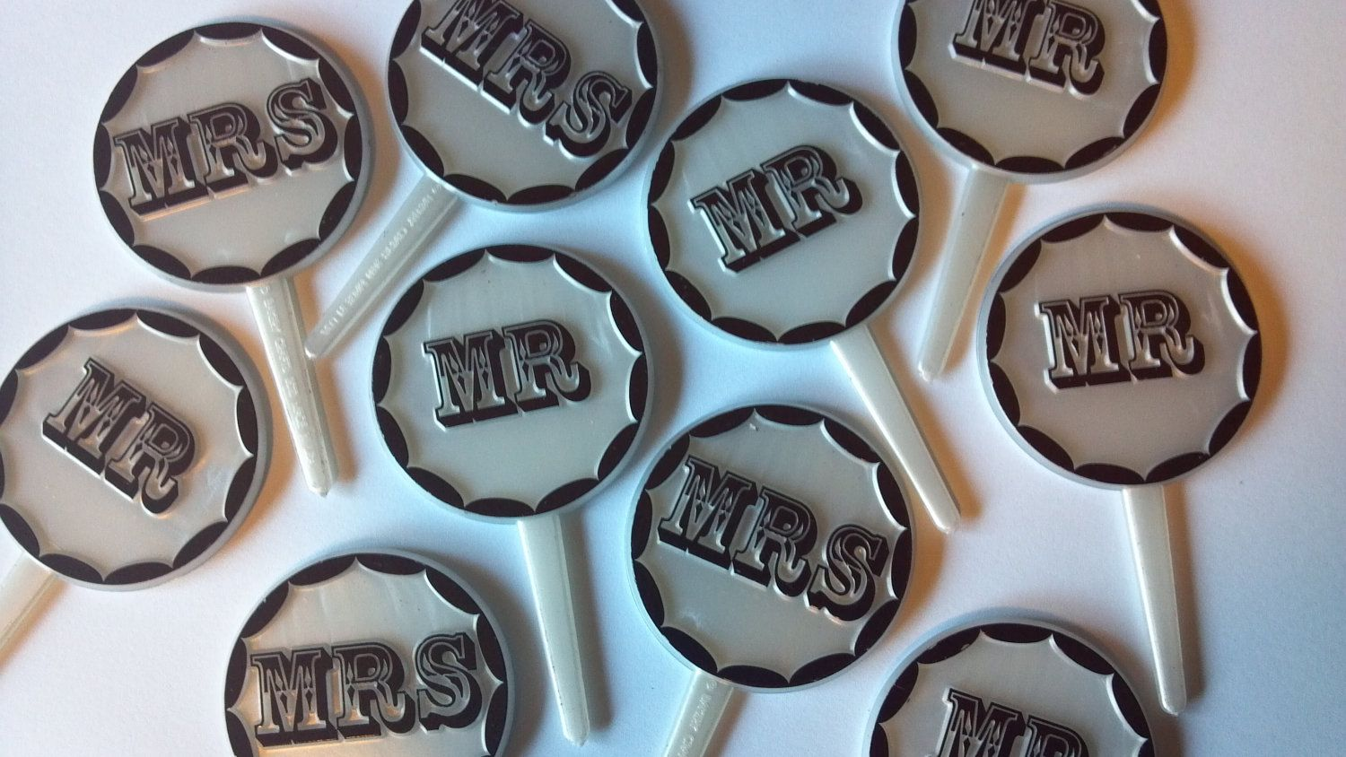 MR & MRS cupcake toppers for the kids table
