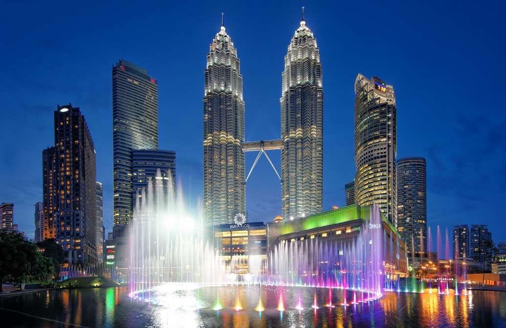 Musical Fountain, Petronas Tower, Kuala Lumpur, Malaysia - Jonathan Danker Photography/Getty Images