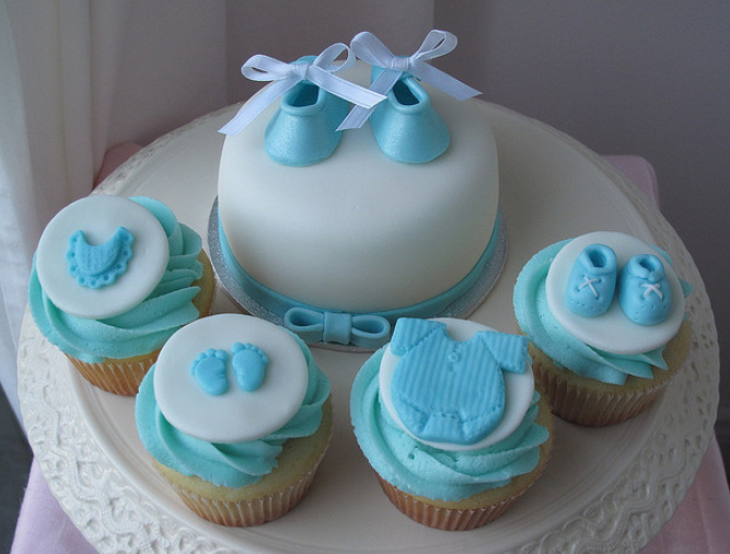 baby shower mini cake with cupcakes by creativecupcakes