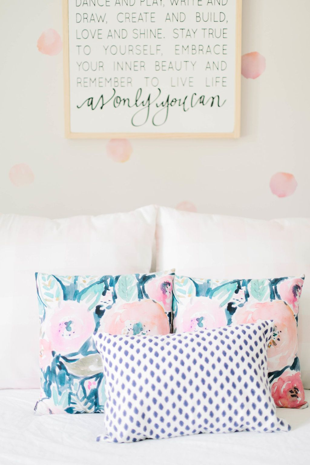 Big Girl Room. Scalloped shelves. Gingham Print