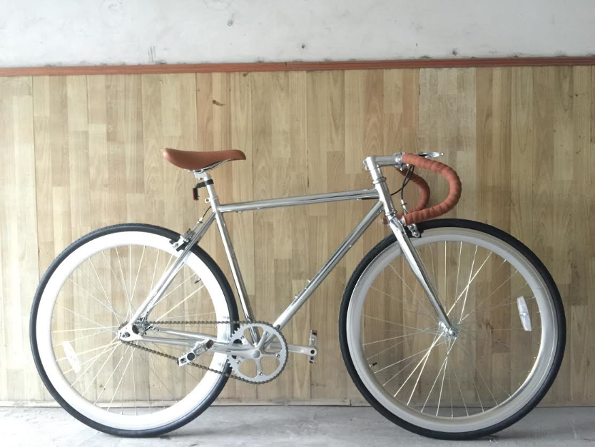 R4 Chrome Custom Built Fixie Single speed bike Great for City Street  Design  Chrome frame with a touch of brown seat e67aaf3f3