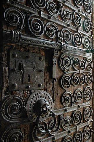 Old Castle Door Castle Doors Unique Doors Beautiful Doors