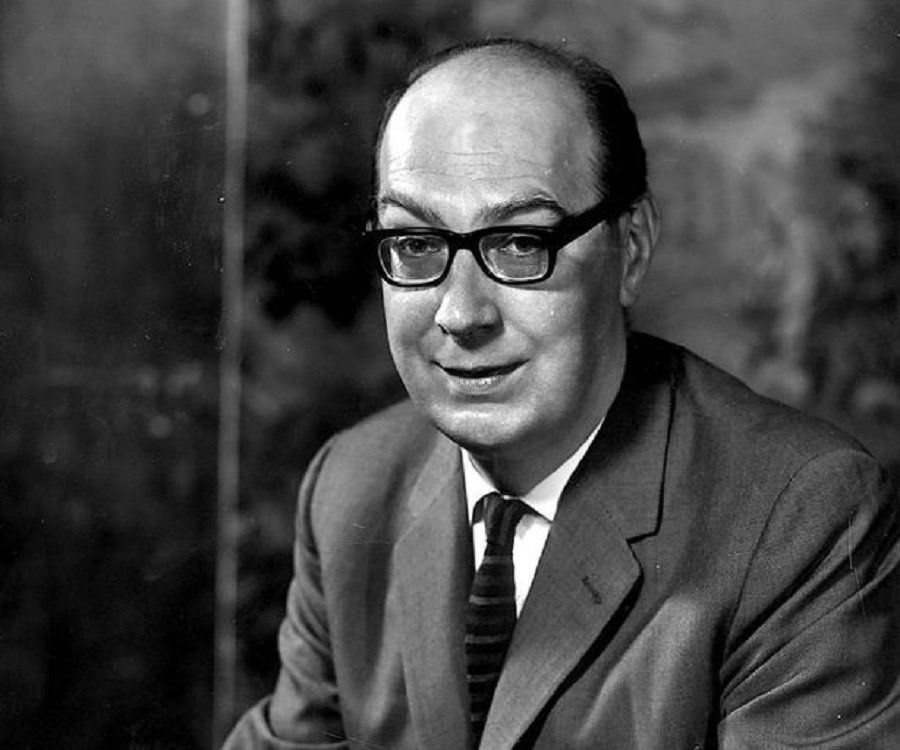 Analysis Of Poem The Trees By Philip Larkin Philip Larkin Larkin Norton Anthology