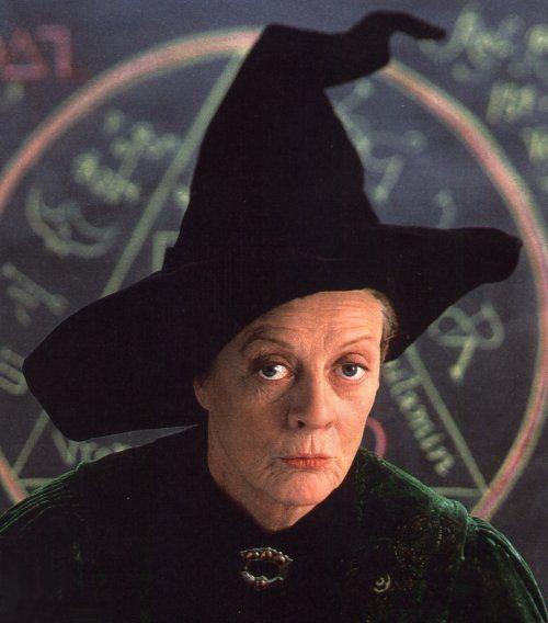 Maggie Smith E A Veterana Bruxa Minerva Mcgonagall Atores De Harry Potter Maggie Smith Harry Potter