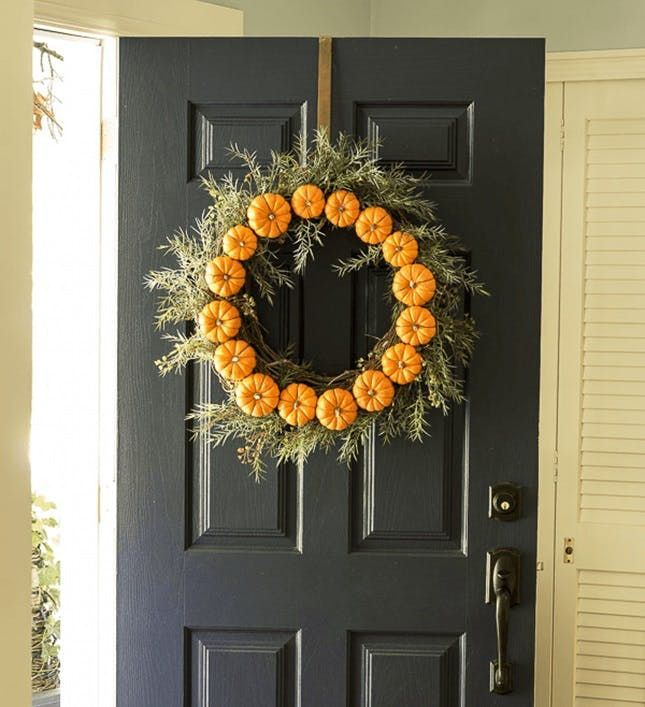 11 Spooky Ways to Decorate Your Door for Halloween Halloween door - ways to decorate for halloween