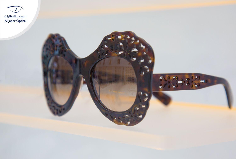 When We Speak About Style Uniqueness We Mean Dolce Gabanna اجعل طلتك مميزة و انيقة مع هذه النظارات الرائعة من دولتشي Sunglasses Women Sunglasses Women