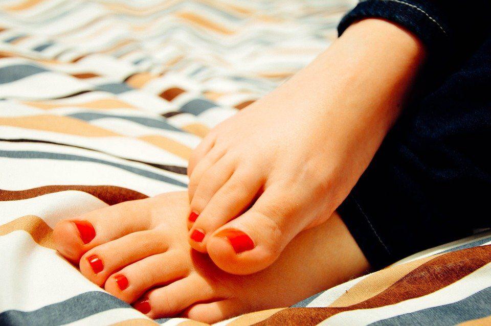 l 39 astuce au bicarbonate de soude pour avoir des pieds tout. Black Bedroom Furniture Sets. Home Design Ideas