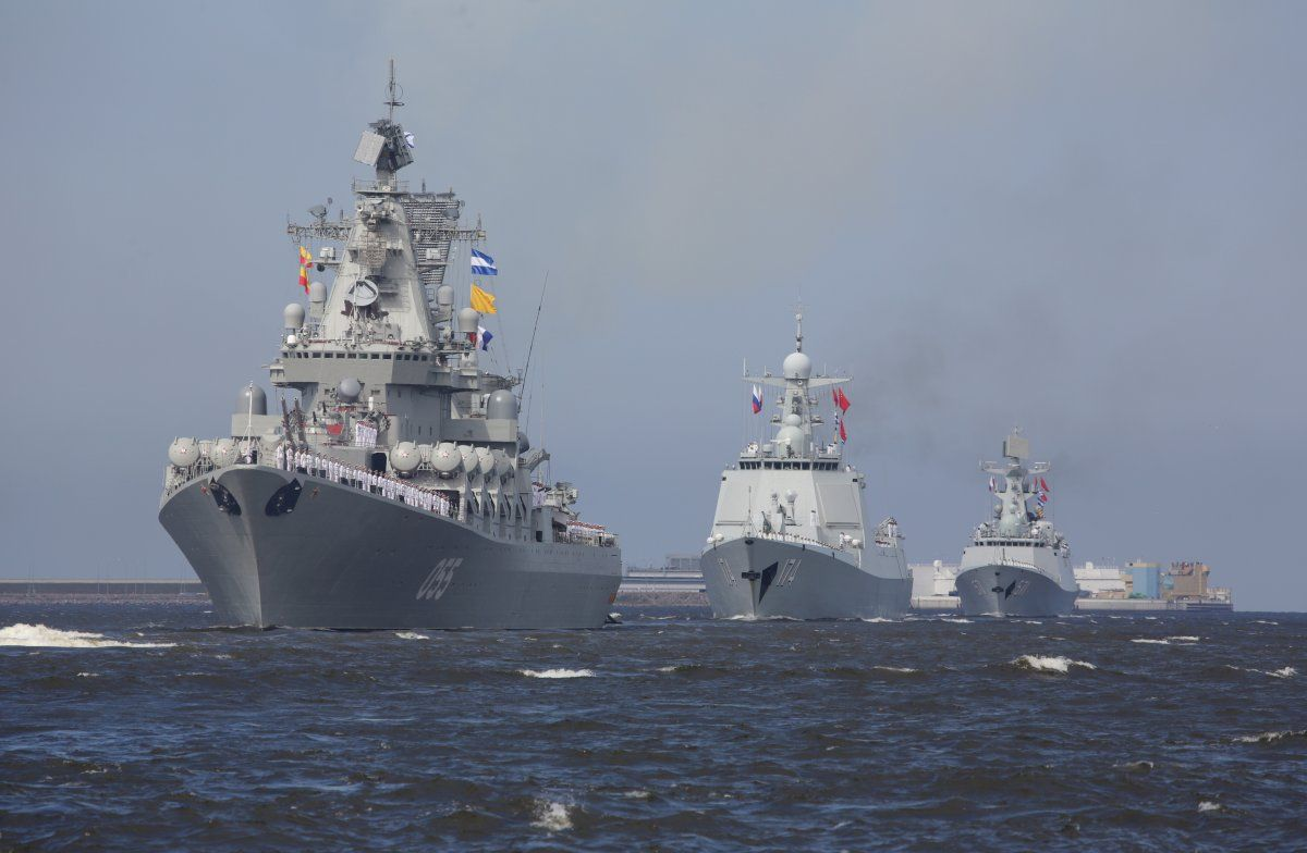 15 Photos Of Russia S Unprecedented Show Of Force For Navy Day Navy Day Military Military Forces