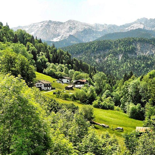 #vordergraseck #hintergraseck #graseck #wetterstein #wettersteinspitze #musterstein #garmisch #partenkirchen #sommer2012 #wandern #bayern #oberbayern #bavaria #bavarianalps #nature #nature_lovers #scenery #hiking #wonderful_places #discoverearth #beautiful #Padgram