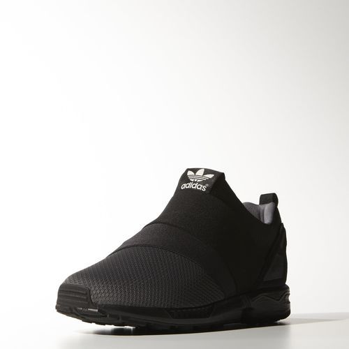 adidas chaussure zx flux slip on une alternative aux y 3 graces aux 39 39 stripes 39 39 en elastique. Black Bedroom Furniture Sets. Home Design Ideas