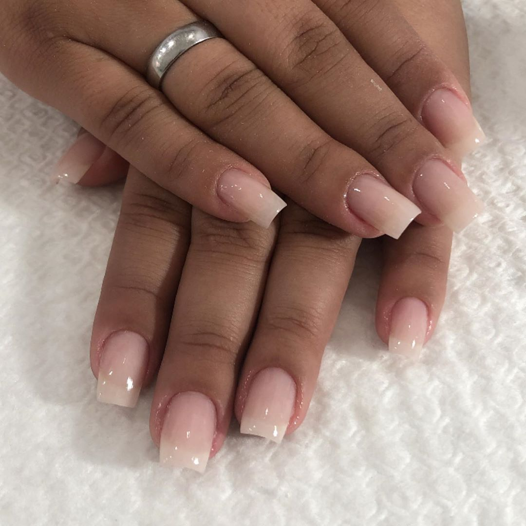 Manutenção,fibra de vidro ..🙌🏼💅🏽 . . . . . .  #nails #nailsart #nailshop #instanails #nails #nailsar...