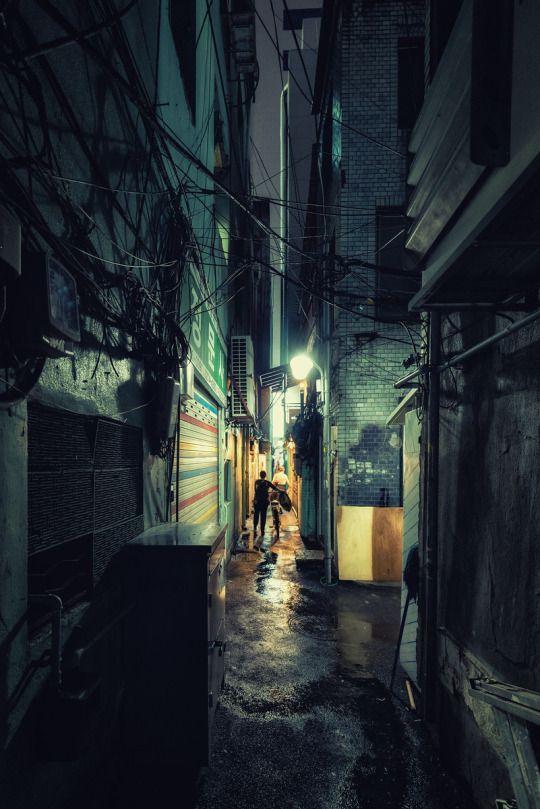 Robert Koehler Travel Photography Narrow Alleyway Near Euljiro On