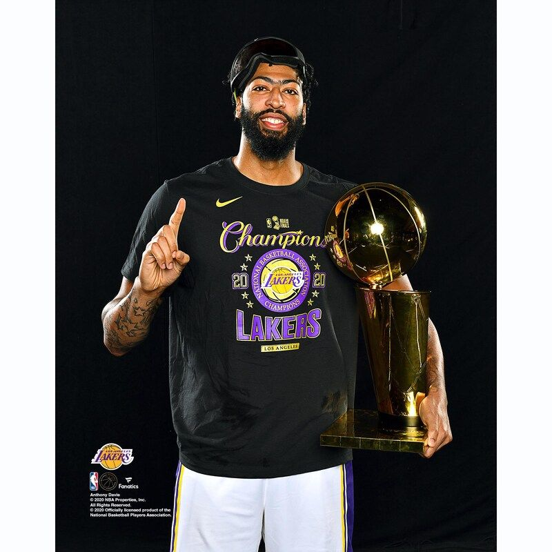 Anthony Davis Los Angeles Lakers Fanatics Authentic Unsigned 2020 Nba Finals Champions Holding Finals Trophy Photograph In 2020 Lakers Los Angeles Lakers Anthony Davis